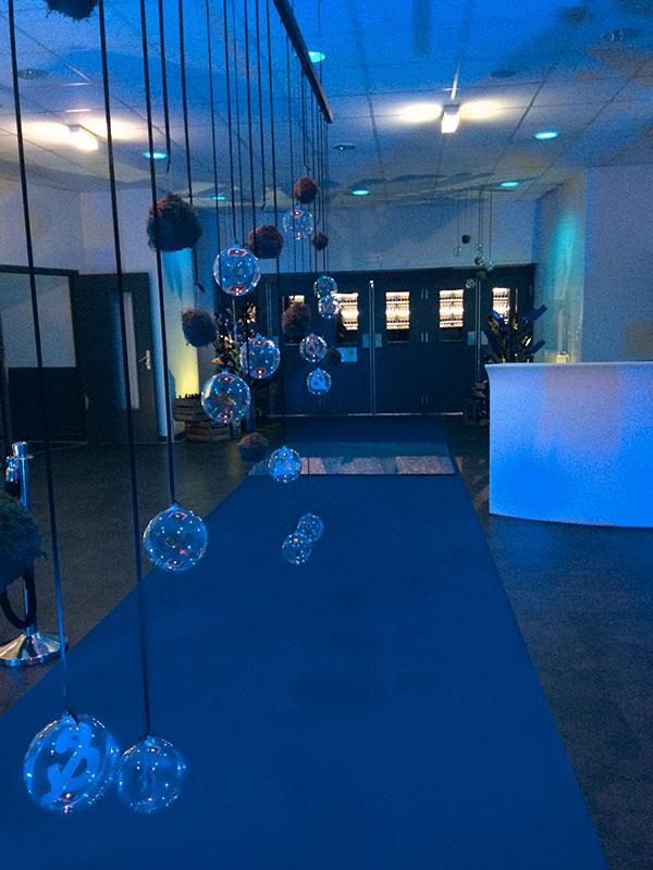 Décoration entrée, petites bulles suspendues