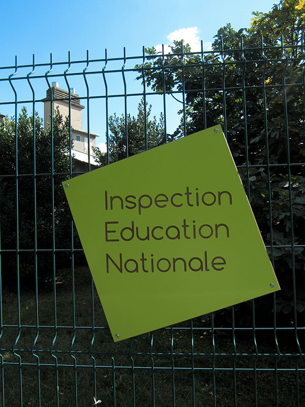 Panneau vert inspection éducation nationale